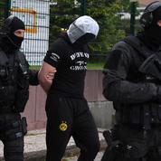 Attentat de Paris : qui est Abdoul Hakim, l'ami d'enfance du terroriste Khamzat Azimov ?