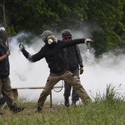 Notre-Dame-des-Landes: un militant perd sa main lors des affrontements