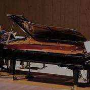 Le premier Printemps du piano ensorcelle le lac d'Évian