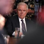 Donald Trump aurait prié Jeff Sessions de reprendre en main l'enquête russe