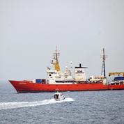 Les migrants de l'Aquarius vont finalement bien être accueillis en Espagne