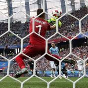 Coupe du Monde 2018 : pourquoi la frappe de Griezmann était aussi flottante
