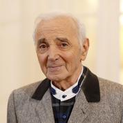 En rééducation, Charles Aznavour annule cinq nouvelles dates de concert prévues cet été