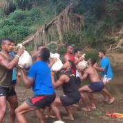L'entraînement des rugbymen fidjiens sans matériel de musculation