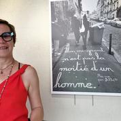 La street artist Achbé, crieuse d'art et crayeuse de rue