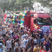 Une Marche des fiertés festive et «de combat» à Paris