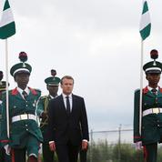 Au Nigeria, Macron veut séduire l'Afrique anglophone
