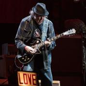 Neil Young continue de dompter l'électricité