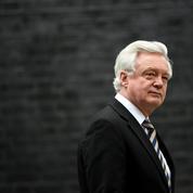 Le ministre britannique du Brexit claque la porte