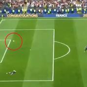 L'amusante séquence pointant par erreur la poisse de Giroud devant le but