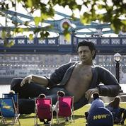 Une statue géante de Jeff Goldblum installée à Londres pour les 25 ans de Jurassic Park