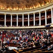 Avant la fin de la session, les députés adoptent trois lois en un jour