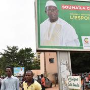 Présidentielle au Mali : le président sortant affrontera le chef de l'opposition au second tour