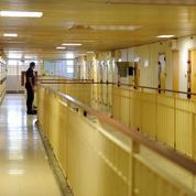 Nicole Belloubet à la prison de Nîmes pour apaiser les tensions