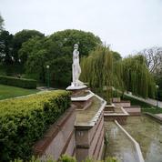 Le parc de la Butte-du-Chapeau-Rouge, jardin calme et bucolique à Paris