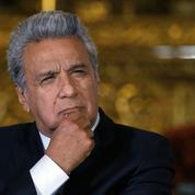 L'Équateur supprime ministères et subventions