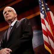 États-Unis: le sénateur John McCain arrête de traiter son cancer