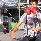 Antho, 17 ans, jongleur sur la scène et dans la rue