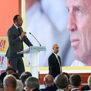 Au Medef, Édouard Philippe cajole les chefs d'entreprise...