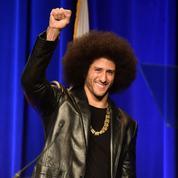 Avec le sportif controversé Colin Kaepernick, Nike joue la carte jeunes