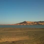 Les éoliennes et les centrales photovoltaïques pourraient faire pleuvoir dans le désert