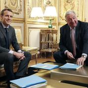 Affaire Benalla : Larcher confirme avoir été appelé par Macron