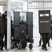 Les Éris, ces gardiens de la paix en prison