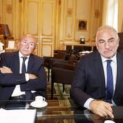 Le maire de Lyon Georges Képénékian cède sa place à Gérard Collomb