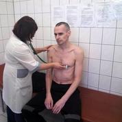 Le cinéaste ukrainien Oleg Sentsov cesse sa grève de la faim