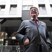 Perquisitions : des Insoumis s'interrogent sur la stratégie de Mélenchon