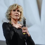 Jane Fonda, lumineuse à 80 ans, reçoit le prix Lumière à Lyon