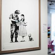 Après la farce de Banksy à Londres, l'excitation gagne Paris pour une nouvelle vente