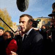 Macron crée la polémique en justifiant l'hommage à Pétain