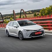 Toyota Corolla, le break hybride monte en gamme