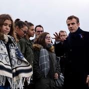 Macron : une cote de popularité en itinérance