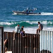 Caravane de migrants: premières arrivées à la frontière avec les États-Unis