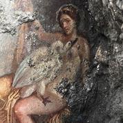 Exceptionnelle découverte à Pompéi d'une fresque lascive représentant Léda et le Cygne