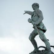 Les deux pistolets du corsaire Surcouf dérobés à Saint-Malo ont été retrouvés à Granville