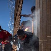 Nouvelles tensions à Tijuana où des migrants ont tenté de franchir la frontière