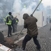"""Alain Bauer : «Les """"gilets jaunes"""" pacifiques, les casseurs et la police: les données du problème»"""