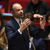 Carburants: Édouard Philippe confirme la hausse des taxes au 1er janvier