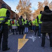 Le maire LR d'Évreux invite les «gilets jaunes» à «bloquer la préfecture»
