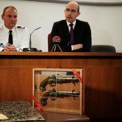 Dénoncé par un libraire, le voleur des pistolets de Surcouf a dérobé 400 documents historiques