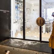 «Gilets jaunes»: portes closes pour les théâtres et les musées parisiens