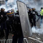 «Gilets jaunes» : face à la difficulté d'interdire les manifestations, Paris cherche la parade