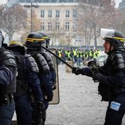 «Gilets jaunes»: la stratégie policière va évoluer pour s'adapter aux casseurs
