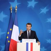 Gilets jaunes : « Macron a les pieds et les poings liés par l'Union européenne »