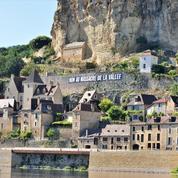 À Beynac, l'un des plus beaux villages de France, la route de la colère