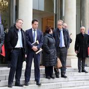 «Gilets jaunes» : Macron aurait reconnu avoir négligé les corps intermédiaires