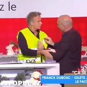 Après avoir renié le mouvement, Franck Dubosc remet en direct son «gilet jaune»